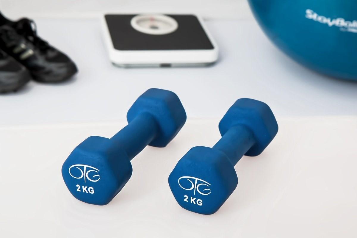 Avantages sur la santé : Peut-on perdre du poids en conduisant une trottinette ?